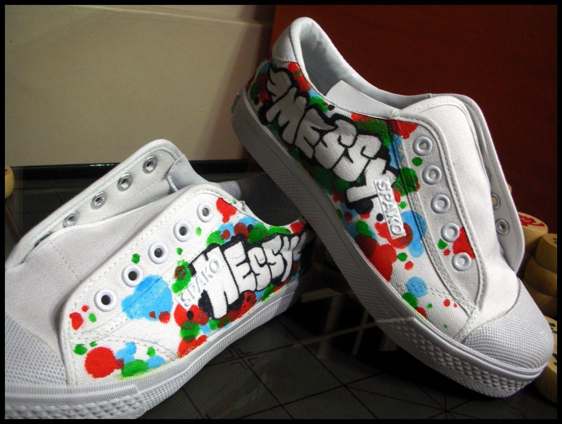 Tênis e sapatos customizados