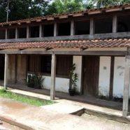 Casa projetada pelo Lúcio Costa. Pioneiro da arquitetura modernista no Brasil, ficou conhecido mundialmente pelo projeto do Plano Piloto de Brasília