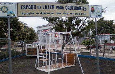 Praça com brinquedos acessíveis para cadeirantes na cidade de Dom Pedrito/RS.