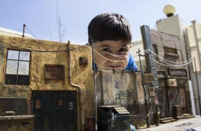 Artista iraquiano cria miniaturas super realistas através de materiais reciclados
