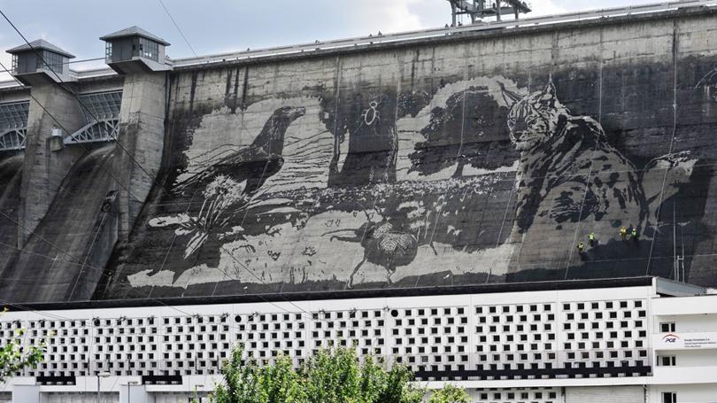 Grafite Reversa por Trust na barragem Solina na Polônia