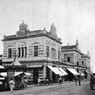 O Mercado Municipal Adolpho Lisboa é um dos mais importantes centros de comercialização de produtos regionais. Inspirado no Mercado de Les Halles de Paris, foi o segundo mercado construído no Brasil.