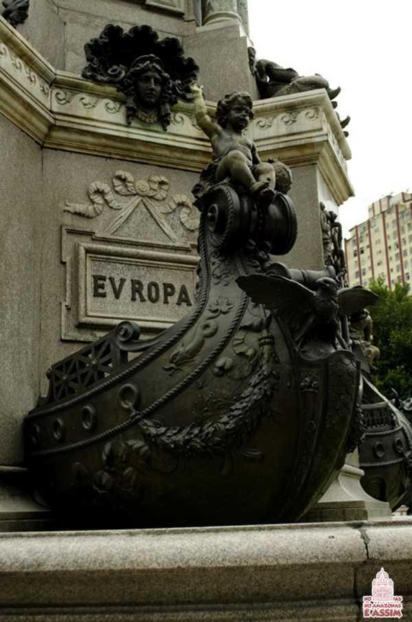 Detalhes Monumento à Abertura dos Portos em Manaus - Barco Europa / Foto : José Hilton Pereira da Silva