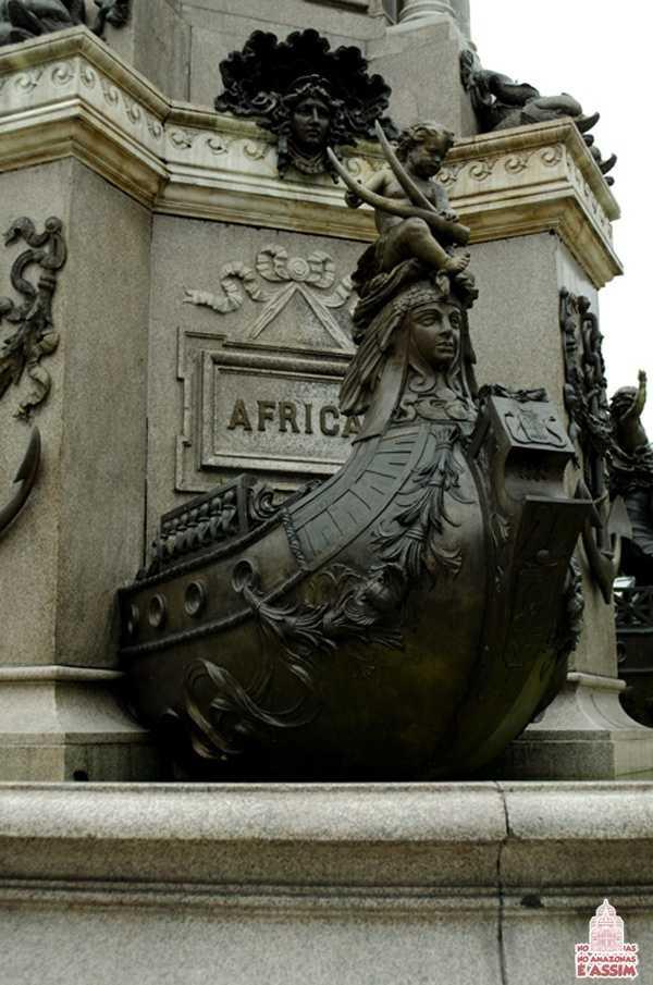 Detalhes Monumento à Abertura dos Portos em Manaus - Barco África / Foto : José Hilton Pereira da Silva