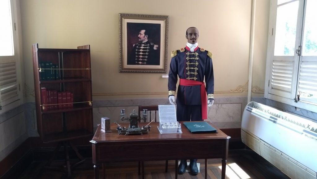 Sala particular de Eduardo Ribeiro, guarda seus objetos pessoais, como sua caneta tinteiro. / Foto : Casa de Doda